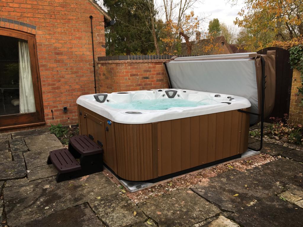 Coast Spas Classic Apex Hot Tub